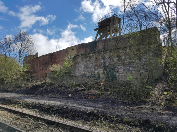 Once again the 1840s stone masonry retaining wall can be seen - providing a glimpse into the past of Hemingfield Colliery - where coal wagons would have been loaded ready for weighing and despatch.