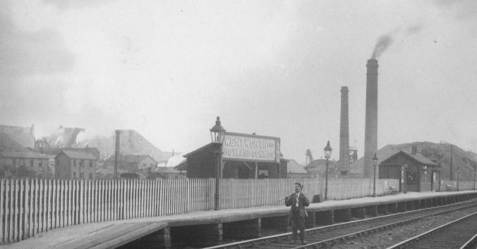 Lidgett Colliery from Wentworth Station, June 1911